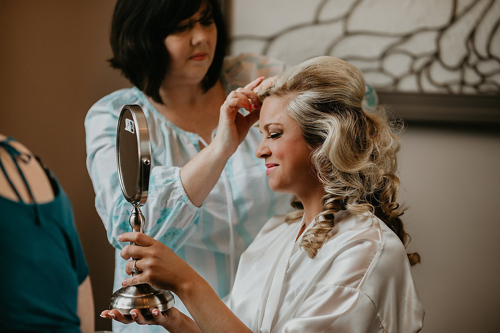 Bride getting ready pictures