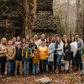 Brophy Extended Family Session at Spence Cabin