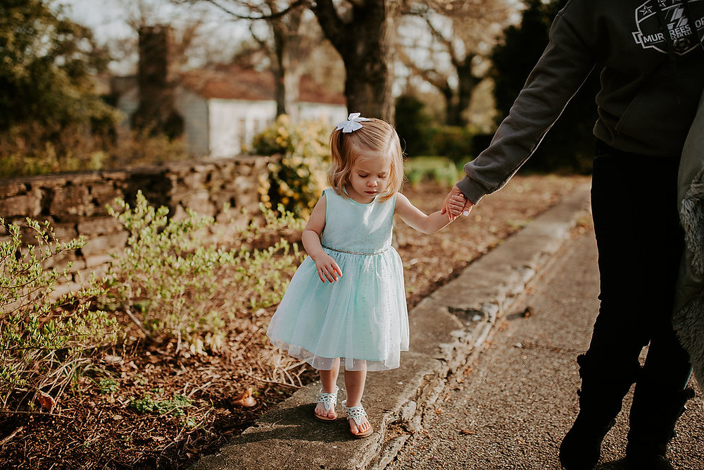 2 year old girl spring pictures