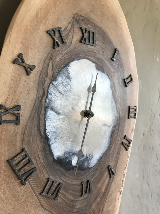 Clock white Resin