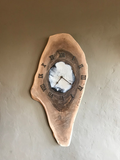 Resin white Clock