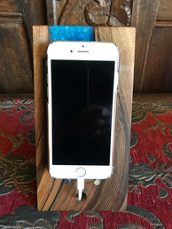 Epxoy Resin Iphone Stand