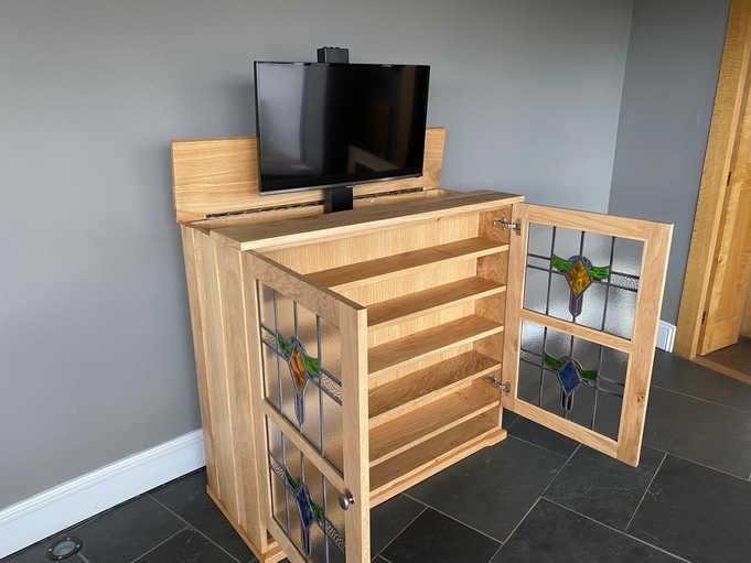 Oak   Glass Tv lift no.18.jpeg