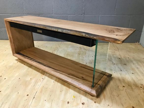 Oak Resin Tv Stand soundbar