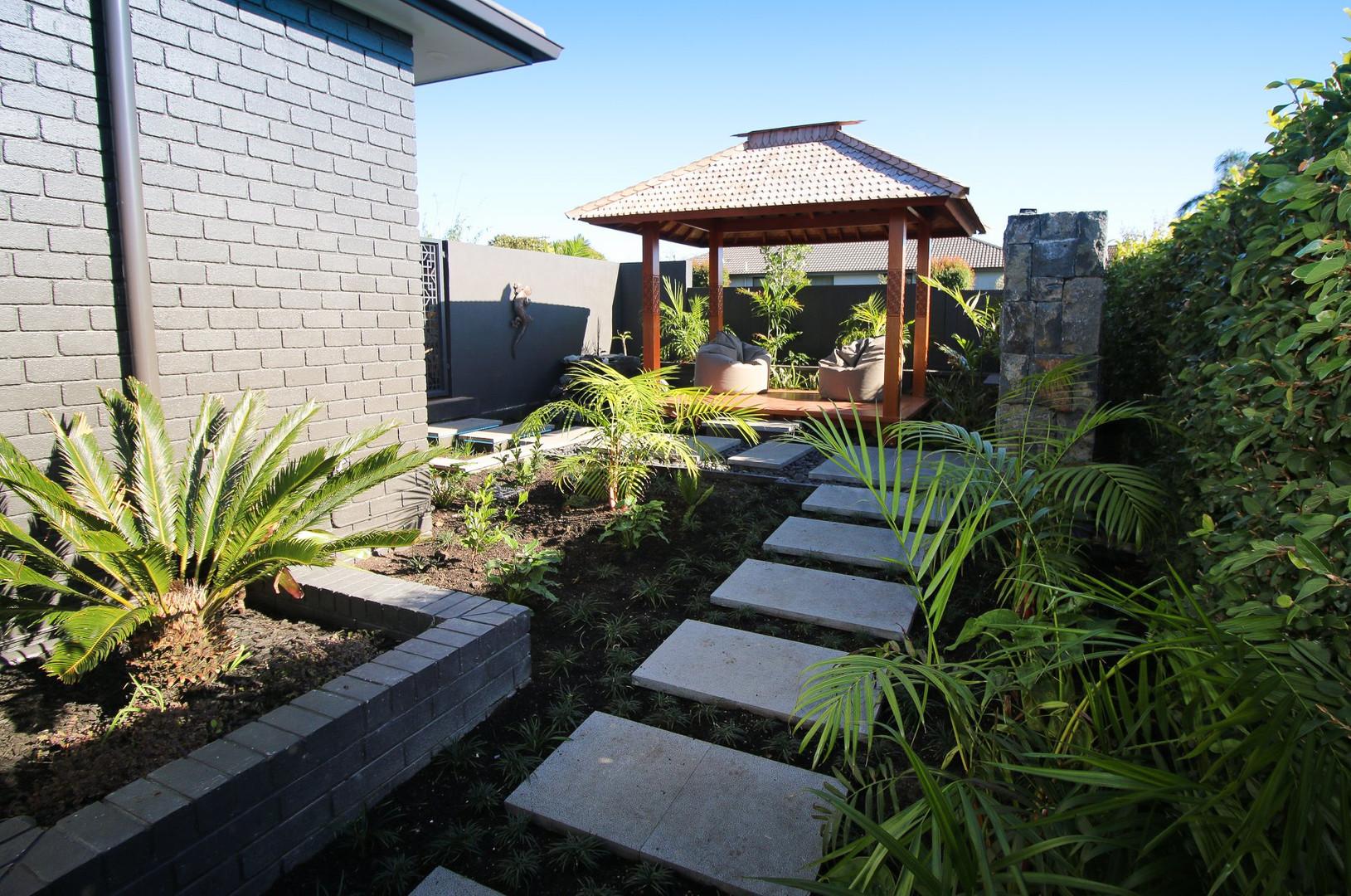 jane-mcguffie-gardens-05.jpg