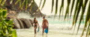 four-seasons-seychelles-couple-snorkling