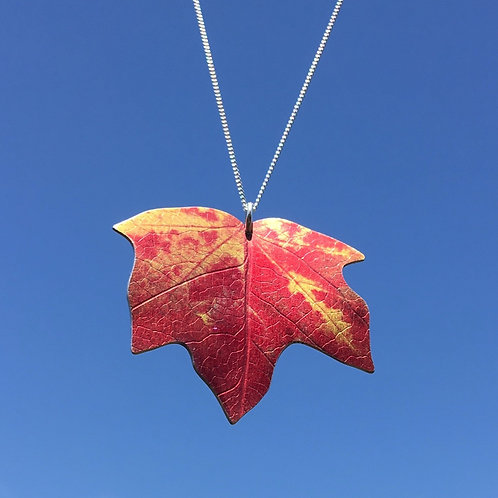 Winkworth Maple leaf necklace