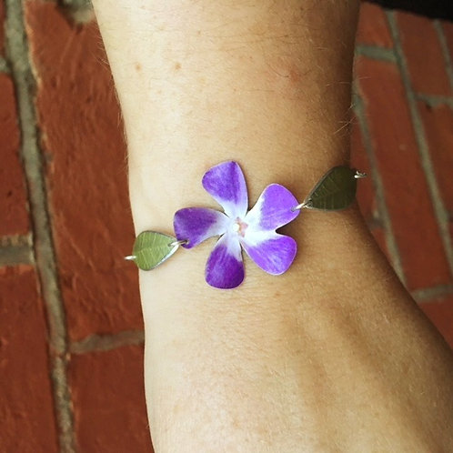 Periwinkle bracelet. Adjustable