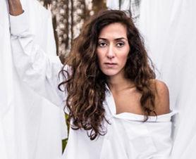 Ayşegül Karaca komt met nieuwe voorstelling