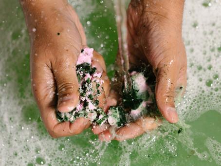 Lush lanceert twee nieuwe badproducten met CBD-olie
