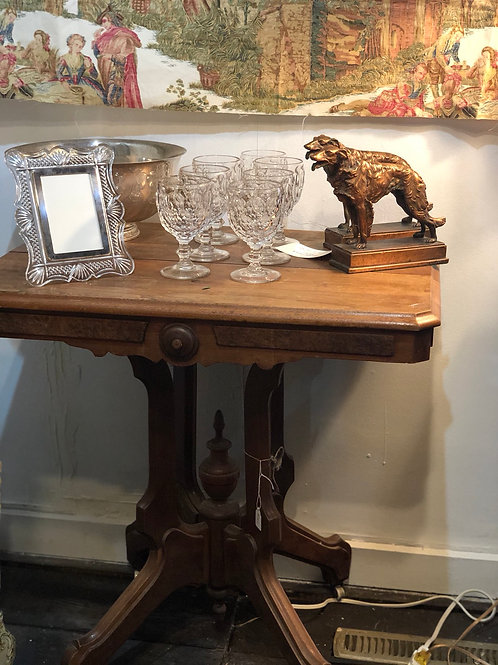 Beautiful details wood accent table