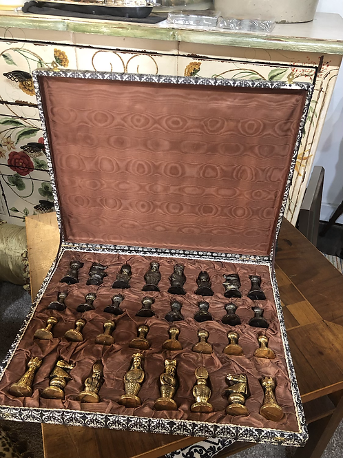 Gorgeous vintage chess set made in Italy