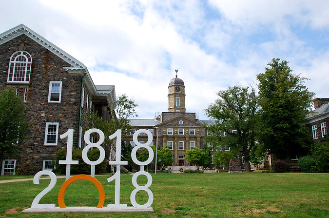 Dalhousie_University_bicentennial_–_Hali