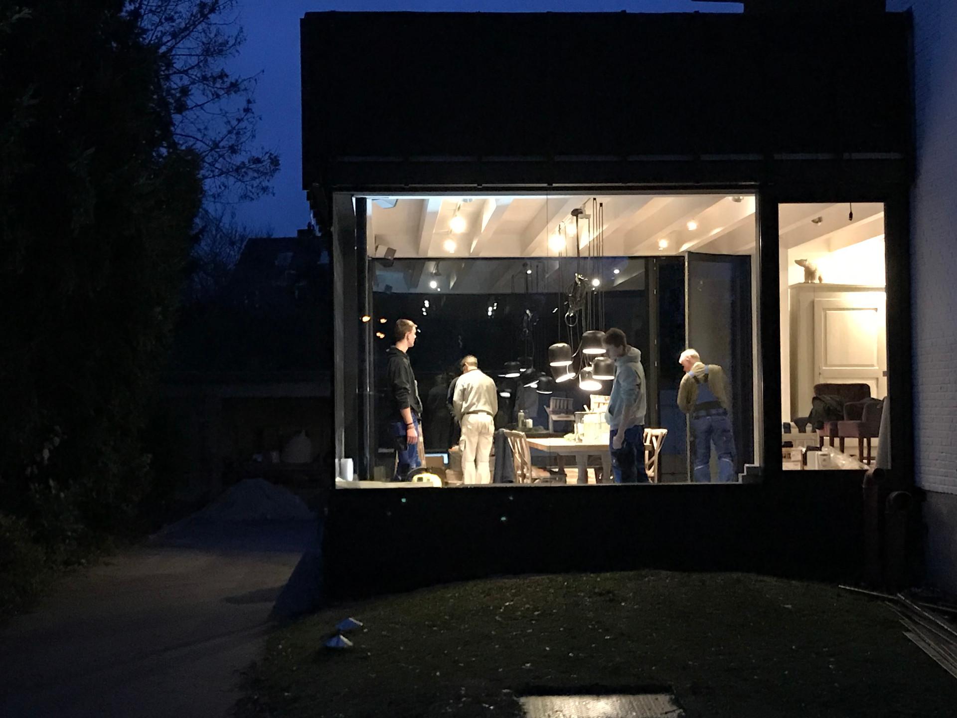 N( construction at night