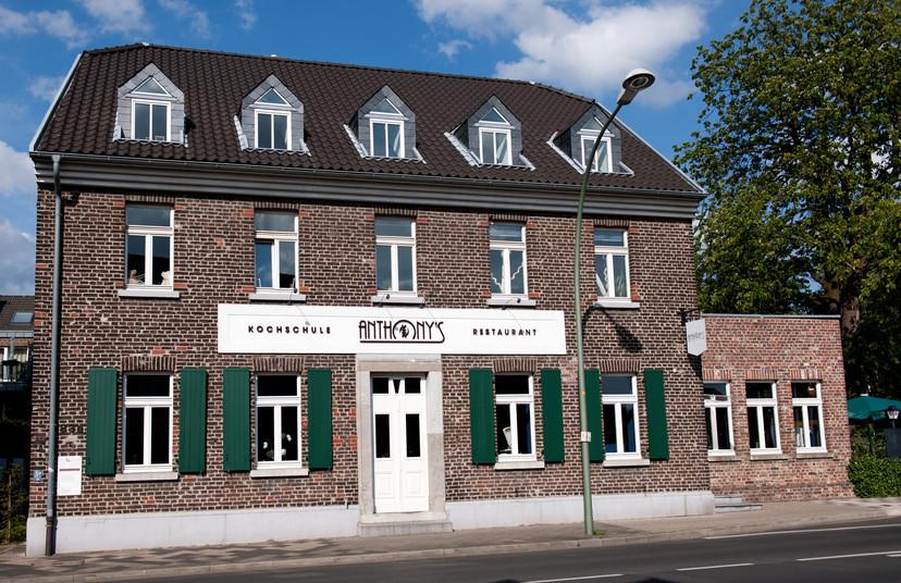Anthony`s Restaurant and cookery School Meerbusch Ben Dieckmann architects