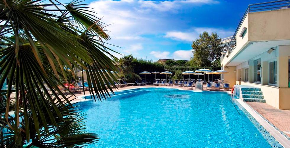 piscina-hotel-meggiorato-abano.jpg