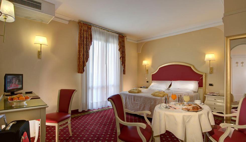 superior-hotel-meggiorato.jpg