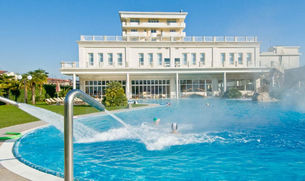 piscina-termale-hotel-alba.jpg