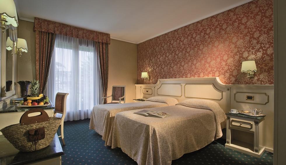 camera-superior-hotel-meggiorato.jpg