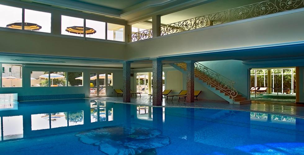 piscina-hotel-meggiorato-abano-terme.jpg
