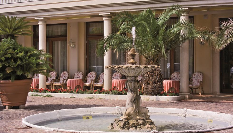 hotel-meggiorato-fontana.jpg