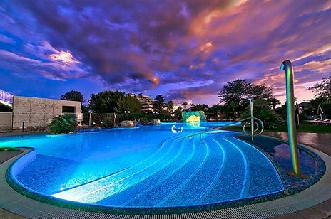 Luci-Piscina Esterna-Hotel All'Alba.jpg