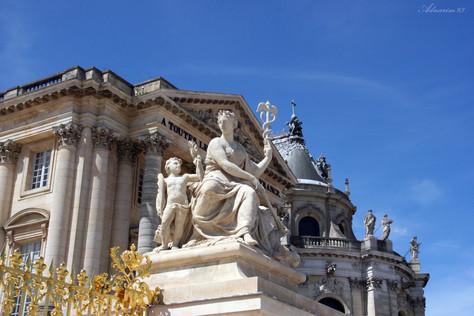 De Louvre Entrance