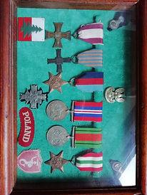 07 Romuald Gurklis medals c.1945.jpg