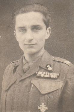 12 Polish Army uniform 1945.jpg