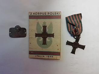 13 Franciszek Rozalewicz Identity disc a