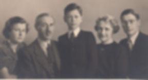 FudakowskifamilyElizabethl1947.jpg