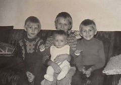 05 Iwona Paciorkowska with her brothers