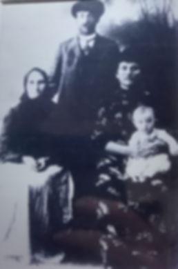 01 Rozalewicz, Franciszek with parents,