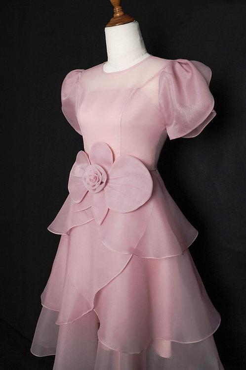T03H- Váy Organza hồng đính hoạ tiết cánh hoa eo