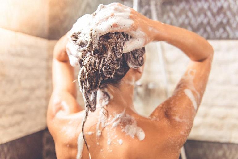 mujer-ducha.jpg