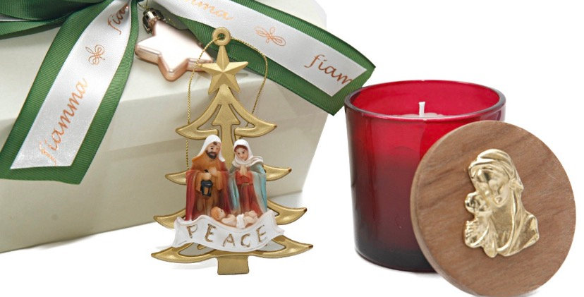 Vela oak moss 200 gramas com tampa freijo e N. Senhora e enfeite Sagrada Família