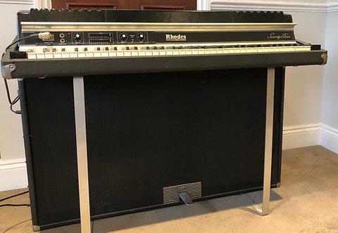 Rhodes MK2 Suitcase Piano 73 Note