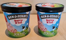 "Helado ""Berry N 'Ice"" de ""Ben & Jerry's"" especialmente para Pesaj con fresas"