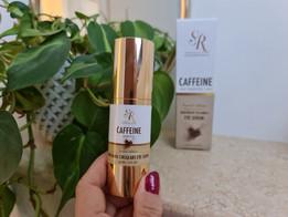 Beneficios del suero con cafeína de SR Cosmetics para el cuidado facial