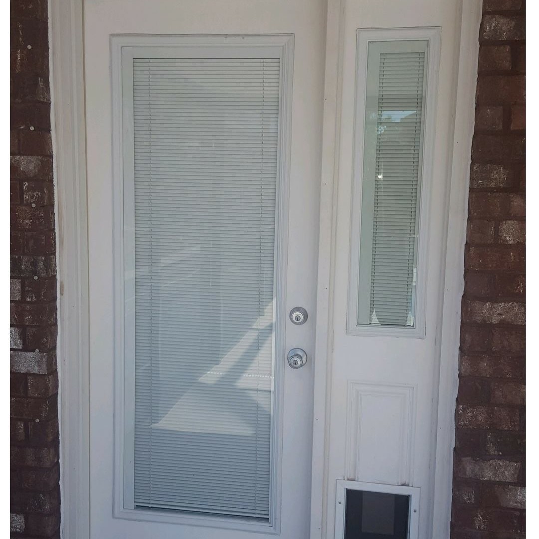Back Entry option with Pet door and Sidelite