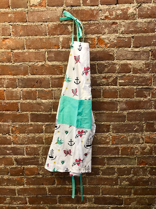 Doodle print apron
