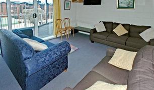 LesChalet-4-lounge_800.jpg