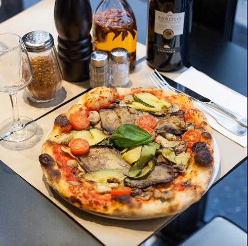 Pizza, vin, restaurant