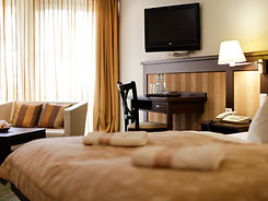 ZIMMER_hirsch_hotel%20300%20dpi%20(103%2