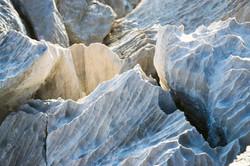 Pietra carsica scanalata dall'acqua