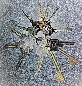 serrurier-brest-depanneur-serrurerie-porte-clé-depannage-dépanneur-dépannage-serrure-urgence