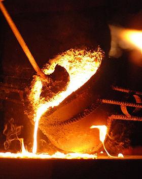 cast-iron-pour.jpg
