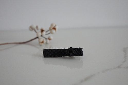 小花のヘアクリップ black purple