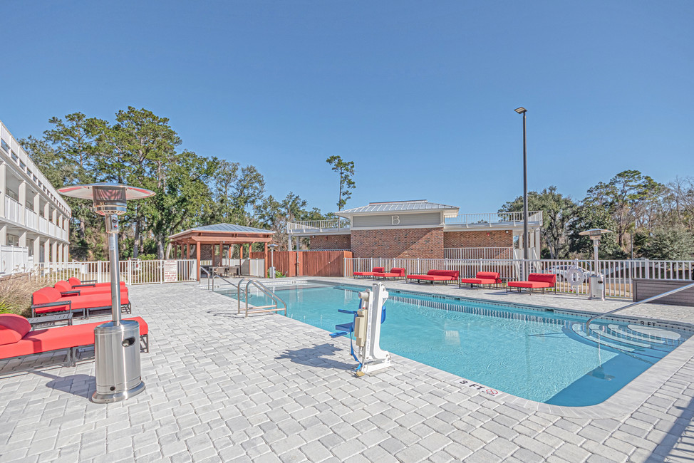 Seven Hills Suites Tallahassee Hotel with Pool