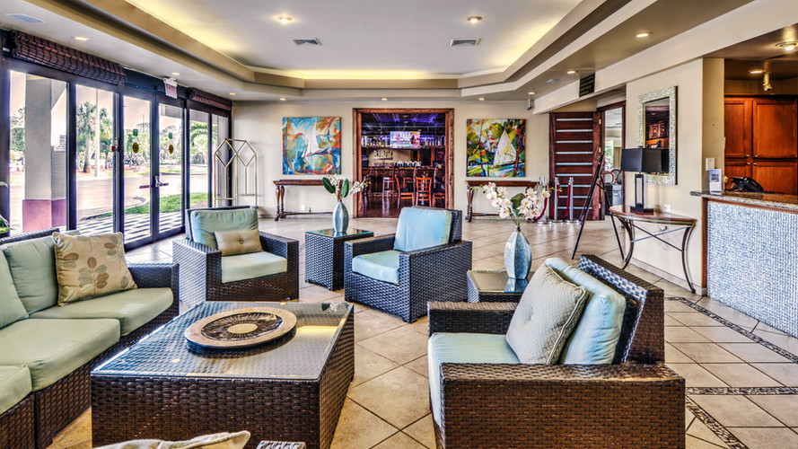 Vero Beach Inn & Suites Lobby